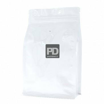 Flat Bottom Pouch shiny white (valve and zipper) 140x210+{35+35} mm (slightly wrinkled)